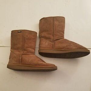 Emu suede chesnut boots sz 9